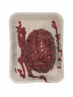 Halloween bloederige hersens op vleesschaaltje-0