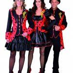 groep verkleed in carnavalskleding