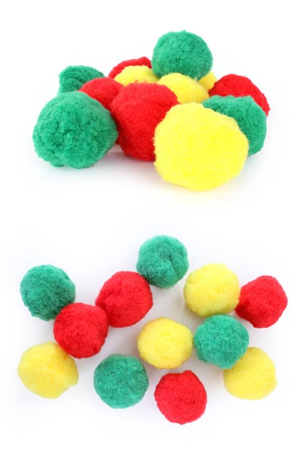 12 pompons rood-geel-groen in z.b.