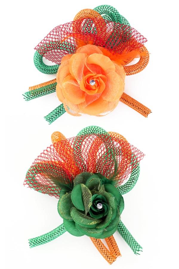 Broche met bloem,tube en veertjes(speld en haarclip) groen/oranje 1