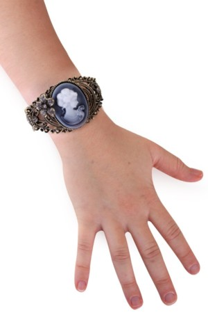 Armband brocante stijl met camee