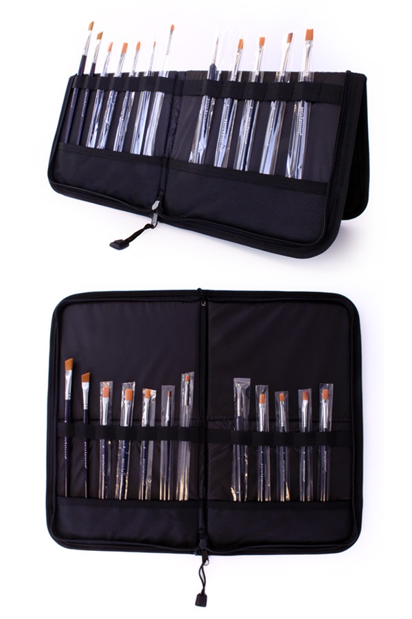 Folding Brush Bag 44 x 37 cm (brushes not included) 1