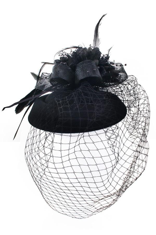 Mini hoedje zwart decoratief met haarclip boerenbruiloft 1