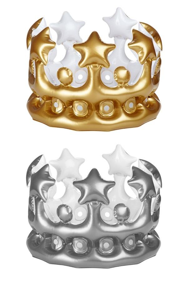 Kroon opblaasbaar zilver/goud assorti 23 cm