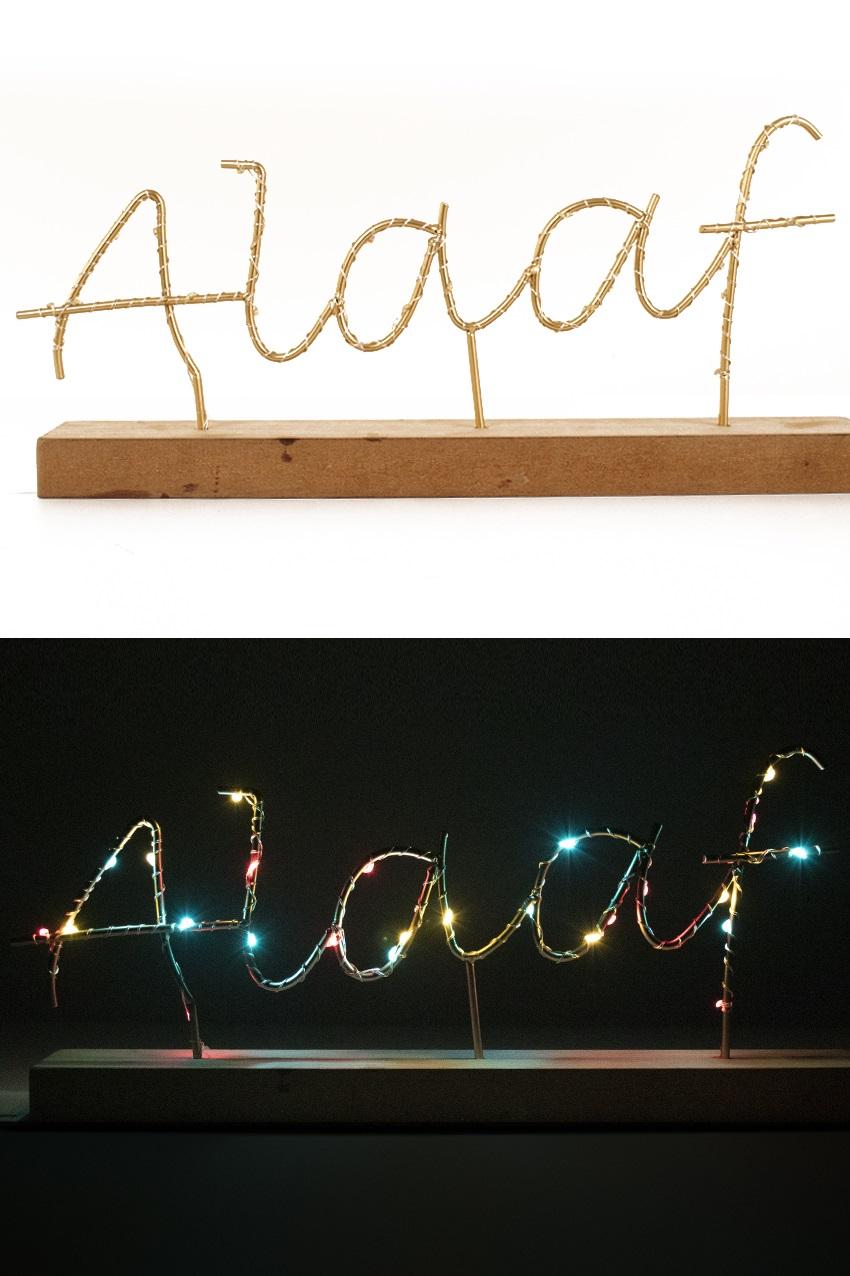 Plankje 36 x 21 cm met tekst ALAAF verlicht rood geel groen exclusief 2 x AAA batterij 1