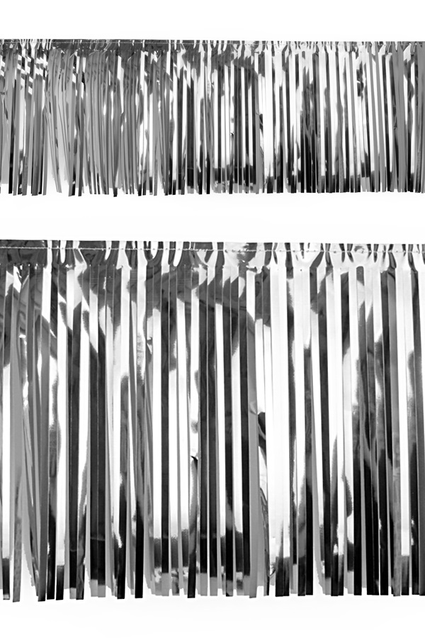 PVC slierten folie guirlande zilver 6 meter x 30 cm 1