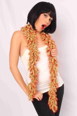 Sjaal met franjes rood/geel/groen 150 x 6 cm